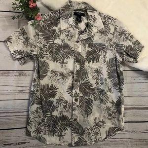 Size medium boys, tropical print button down
